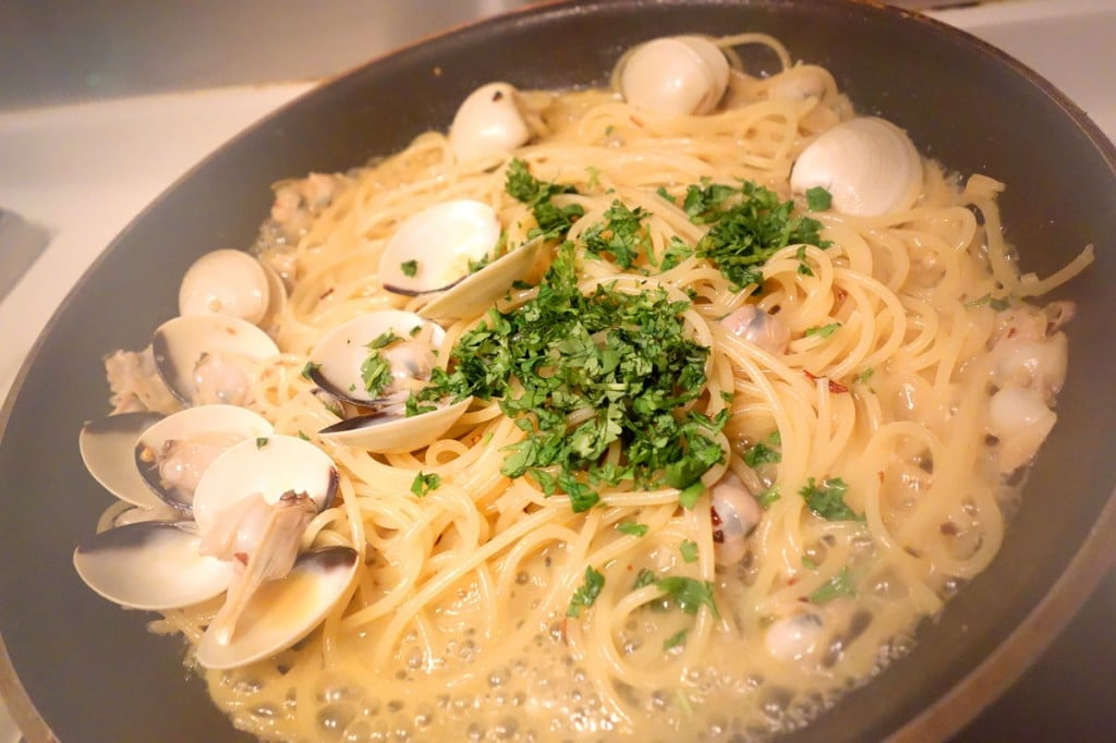 Spaghetti alle Vongole smells heavenly