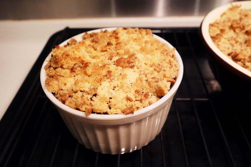 Mini Apple Crumble golden and delicious