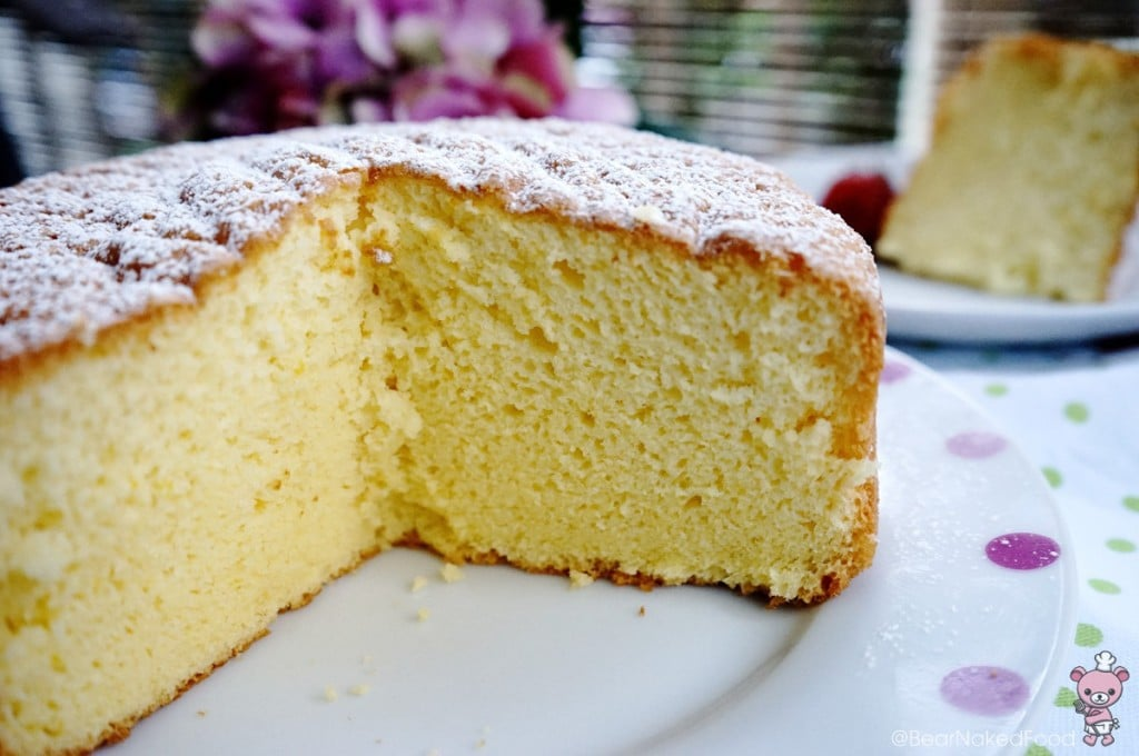 cross section of vanilla sponge cake