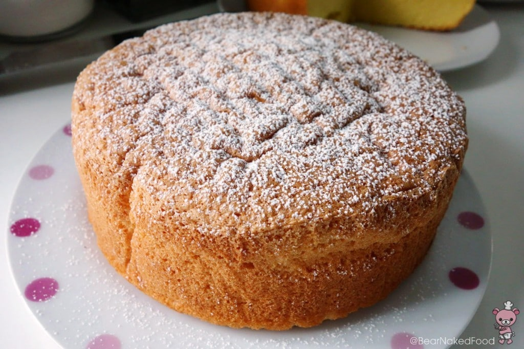 vanilla sponge cake dusted with confectioners' sugar