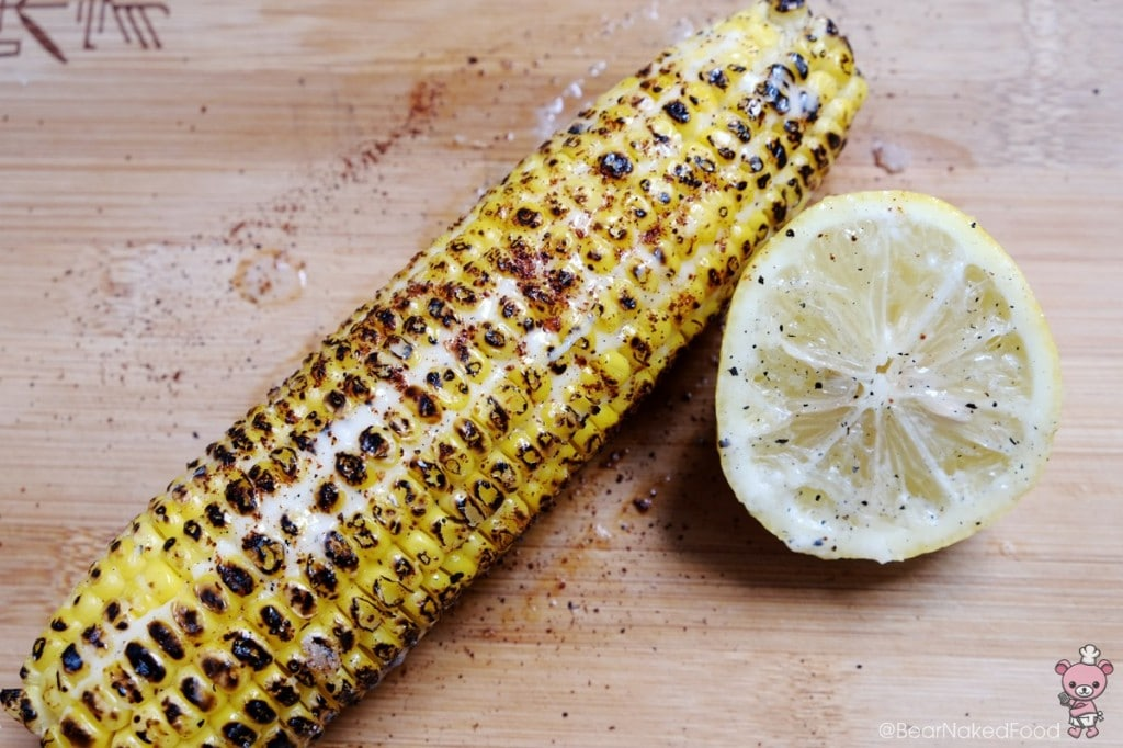 grilled corn on the cob with chili and mayonnaise