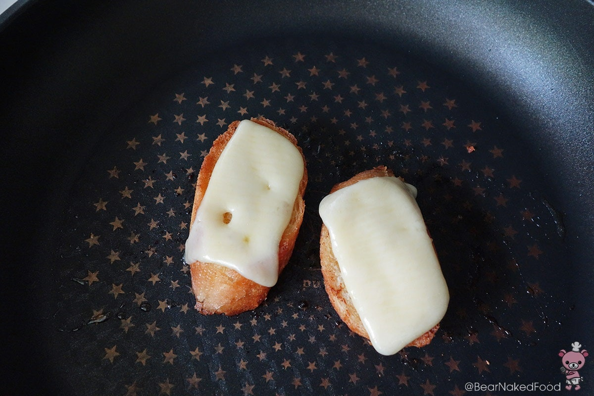 Gruyere cheese croutons