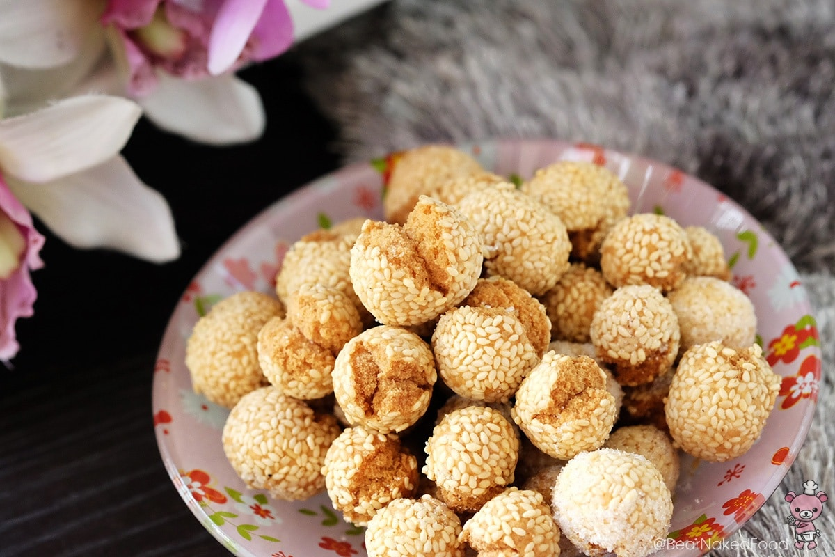 sesame balls that s the balls of dough sesame balls coating in sesame ...