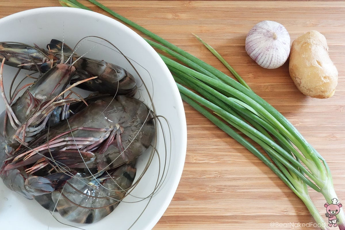 ingredients for king prawns with ginger and spring onions