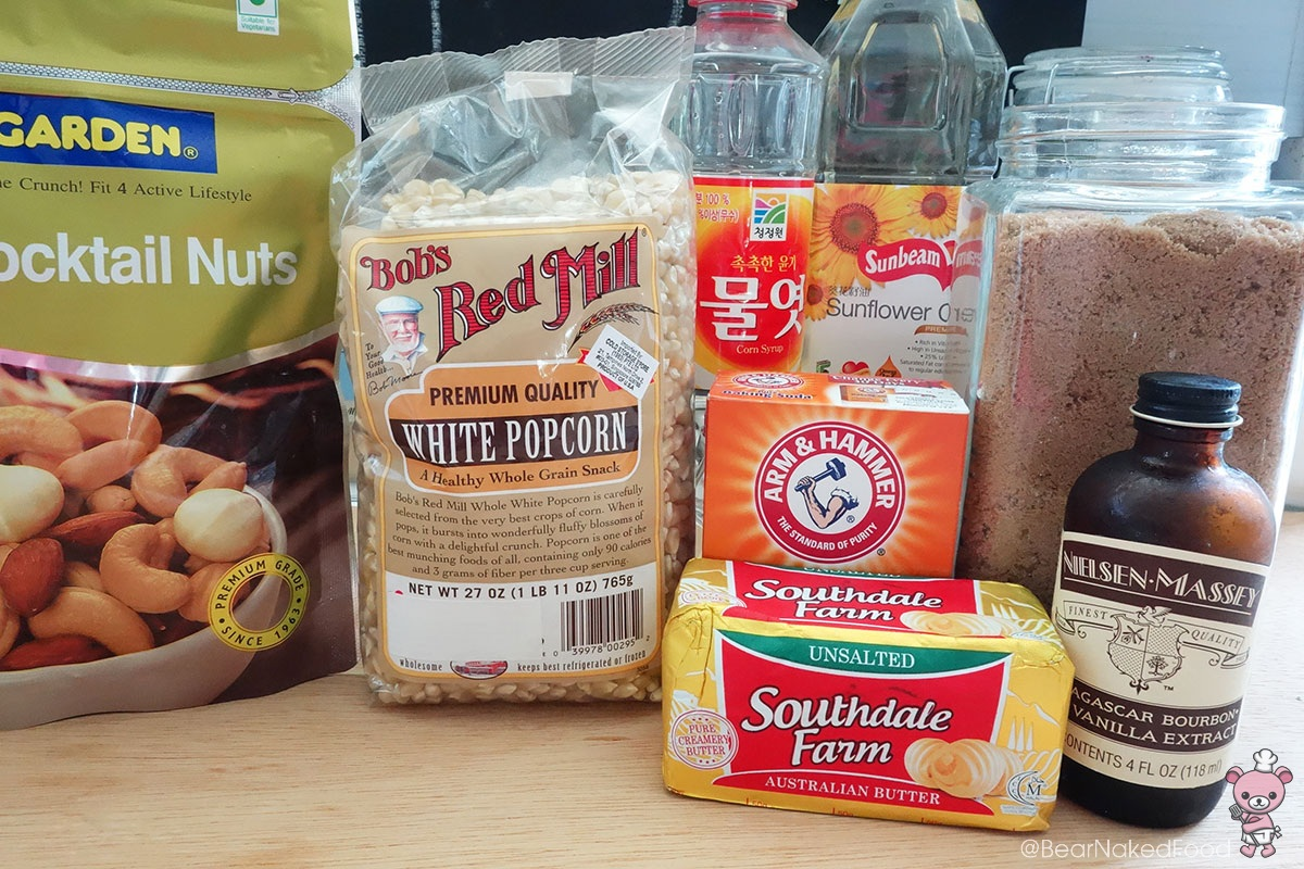 The line up. I'm using white popcorn kernels, feel free to use the yellow ones too.
