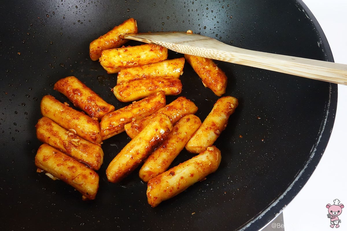 Crispy Pan Fried Ddeokbokki Bear Naked Food