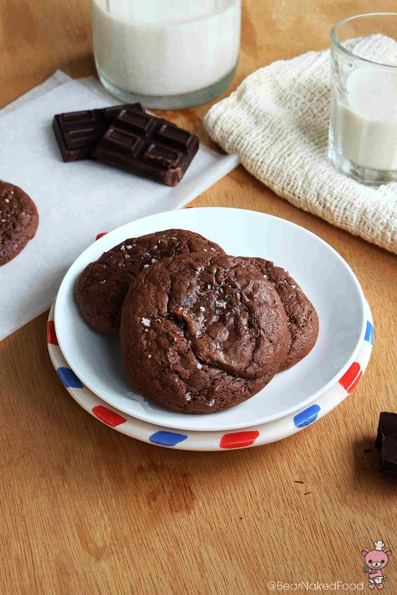 Bear Naked Food salted chocolate brownie cookies