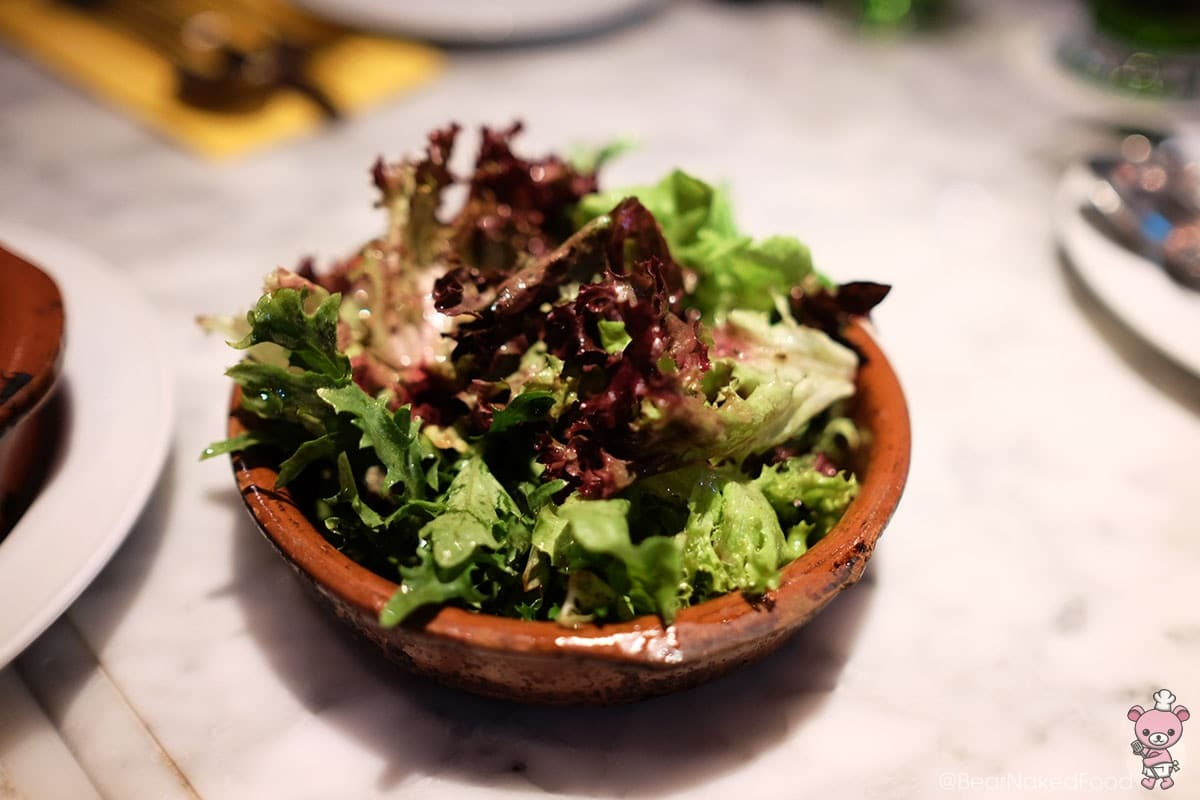 Ensalada (Mesclun salad with vinaigrette, $7)
