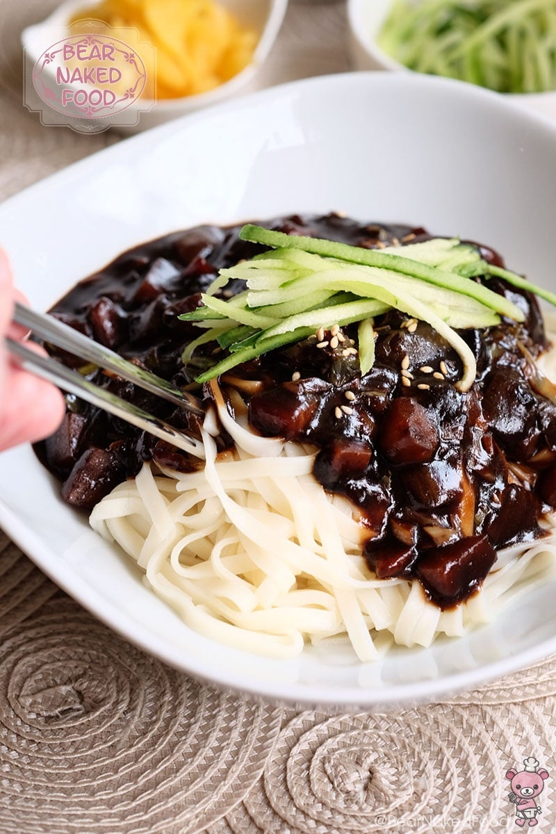 Bear Naked Food jjajangmyeon