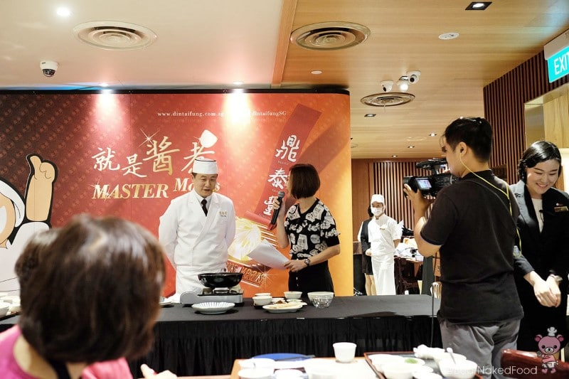 Master Chen Gang with the lovely host, Anna from Chinese radio station 100.3 FM.