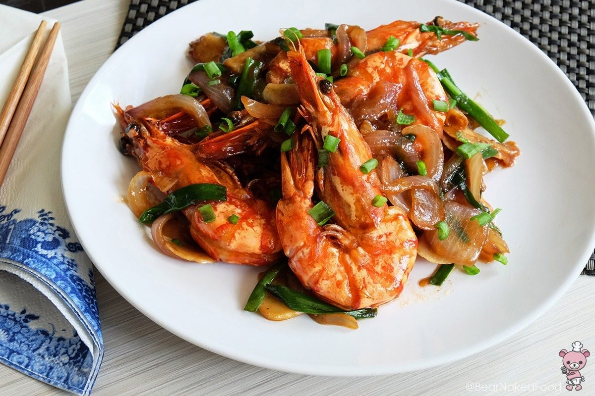 King prawns with ginger and spring onions bear for Animals that are included in the cuisine of seafood