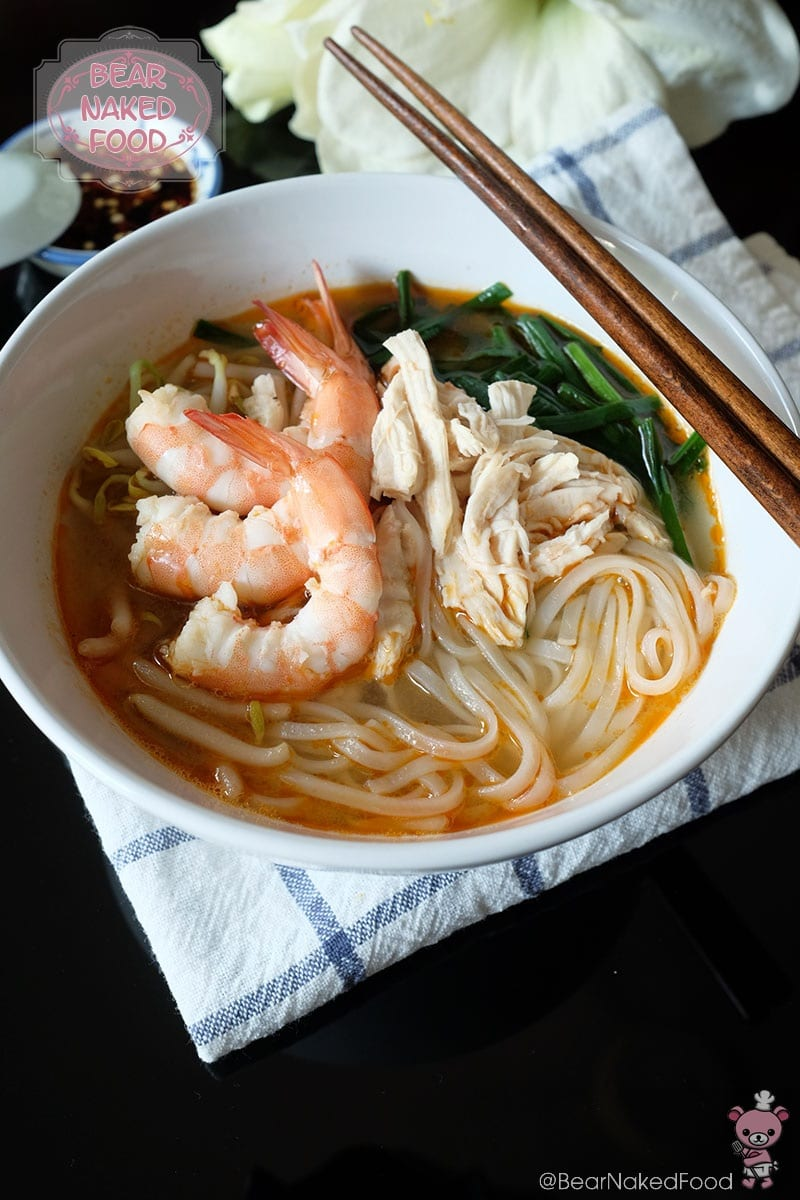Bear Naked Food Ipoh Chicken and Prawn Noodle Soup